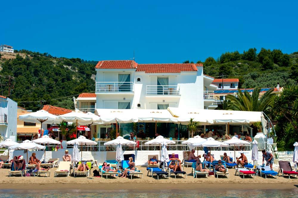 Anemoni beach hotel skiathos island megali ammos for Skiathos hotel